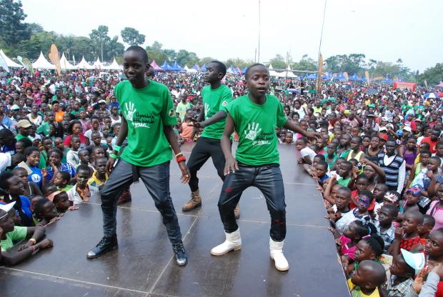 A massive GREEN FESTIVAL 2014